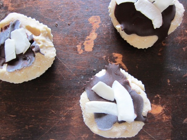 vegan coconut ice cream cups