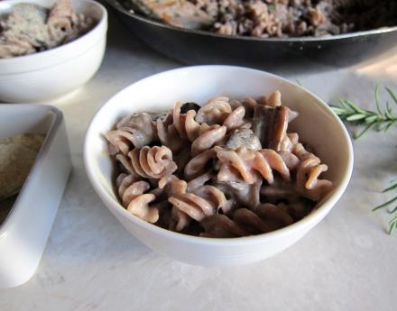 {creamy rosemary mushroom pasta}