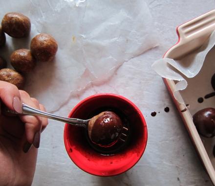 {paleo peanut butter truffles}